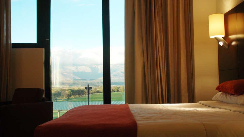 OYO Hotel Valles de Gredos - EDIT_room1.jpg