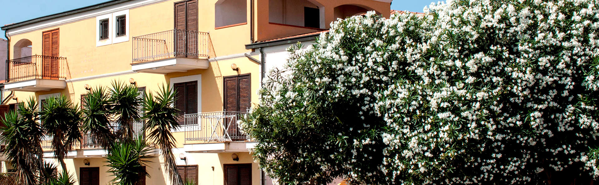 Residence Le Pavoncelle - Edit_Front.jpg