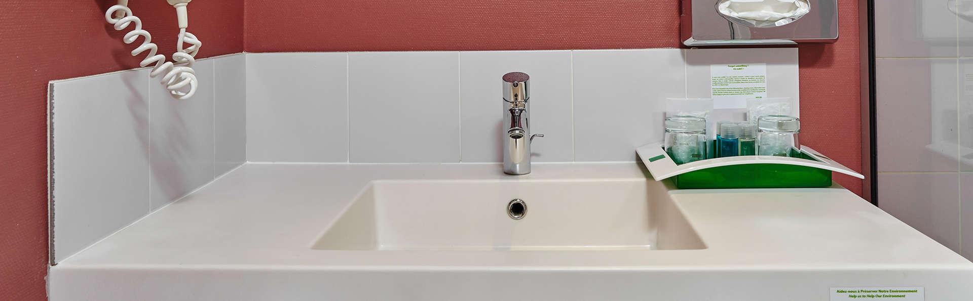 Novotel Blois Centre Val de Loire - EDIT_bath1.jpg