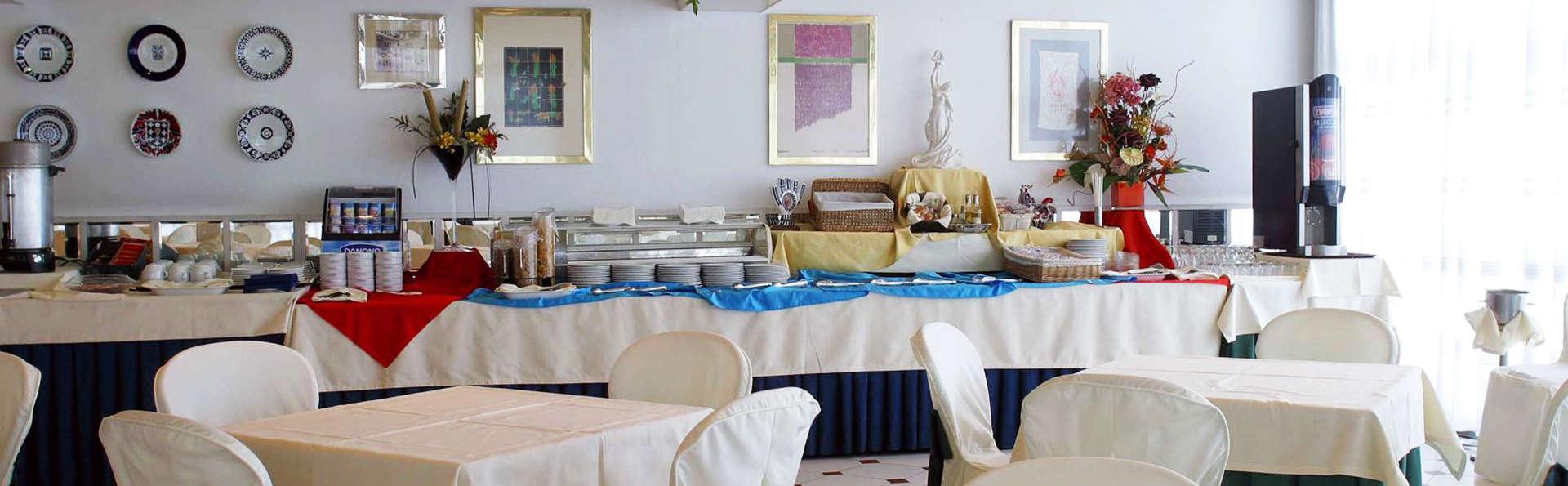 Hotel Cityhouse Rías Altas - EDIT_buffet.jpg