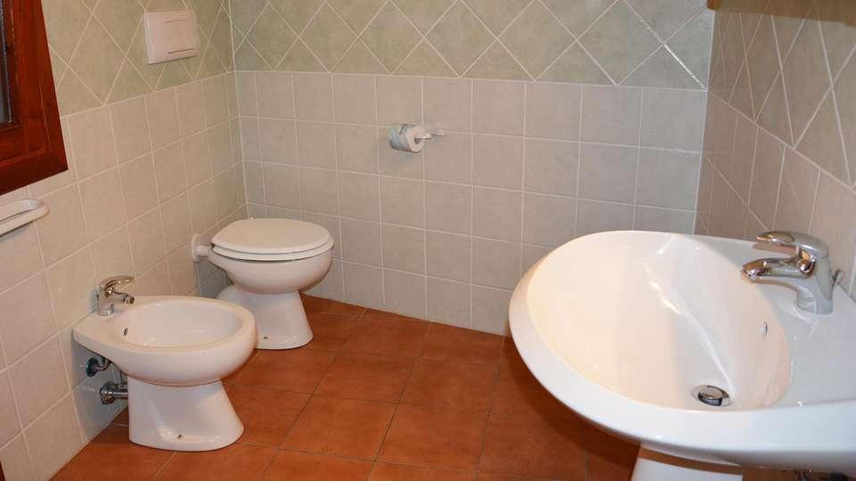 Residence Badus - EDIT_bath.jpg