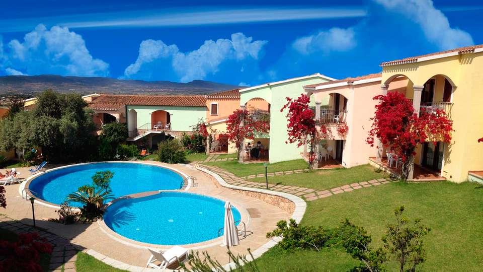 Residence Badus - EDIT_pool.jpg