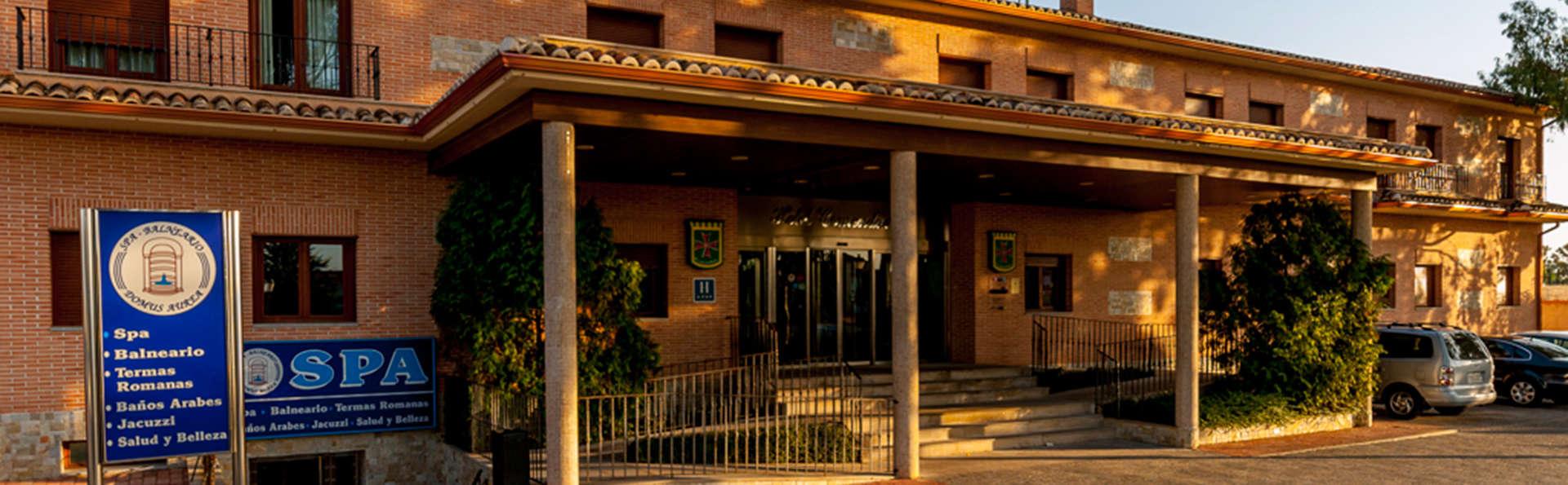 Hotel Comendador - EDIT_front.jpg