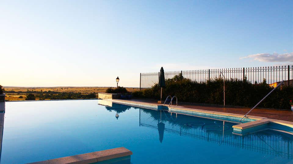 Hotel El Rancho de la Aldegüela - EDIT_pool2.jpg