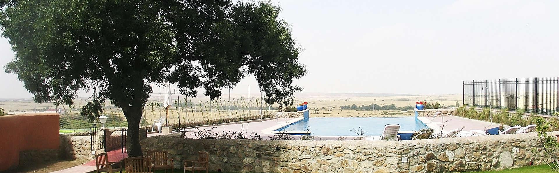 Hotel El Rancho de la Aldegüela - EDIT_pool4.jpg
