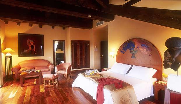 Escapada en un hotel tipo rancho con piscina exterior cerca de Segovia