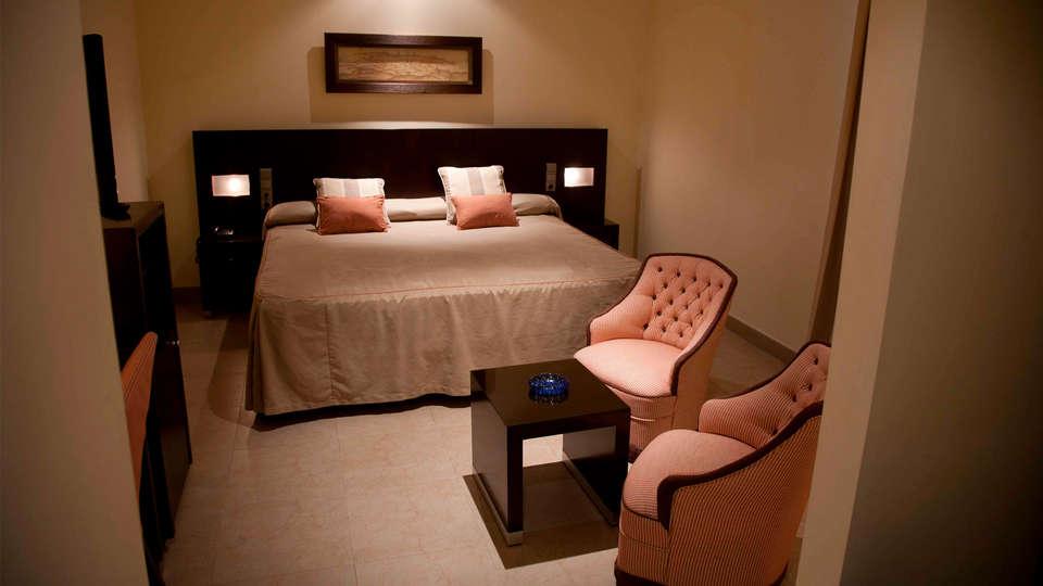 Hotel El Mesón - edit_room4.jpg