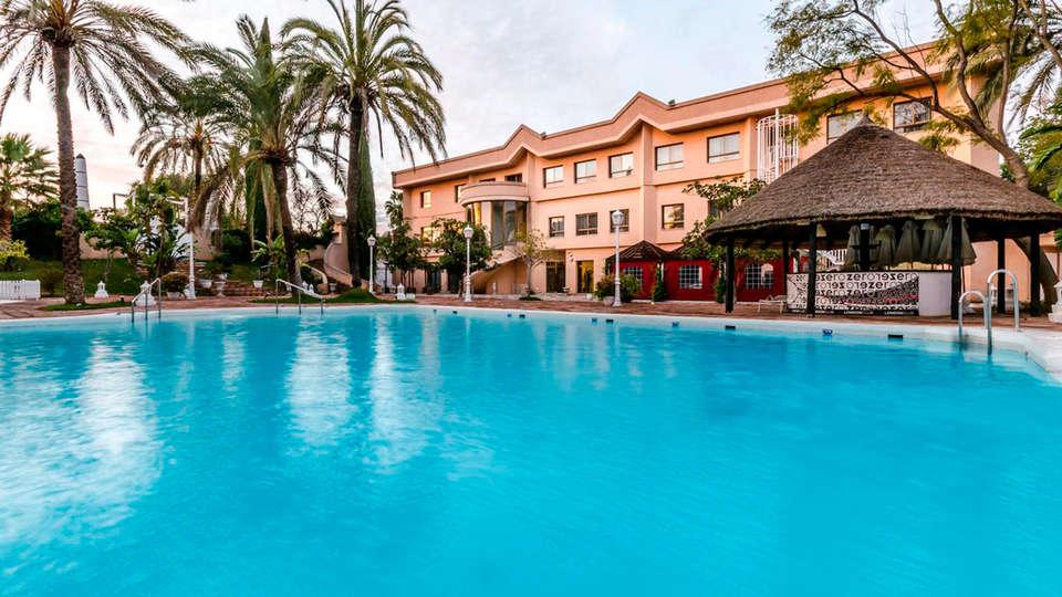 Hotel Exe Guadalete - EDIT_frontpool.jpg