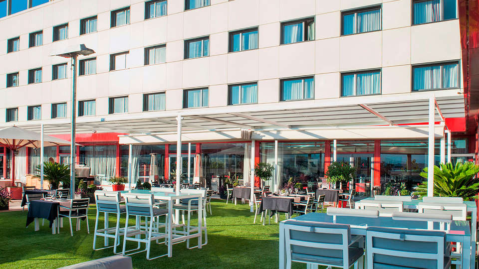 Hotel Front Air Congress - edit_terrace7.jpg