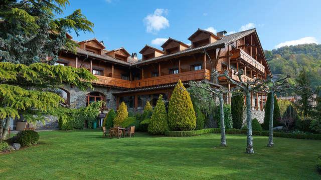 ¡Rebajas! Relax para dos con mejora a superior y acceso al spa en el Pirineo Catalán