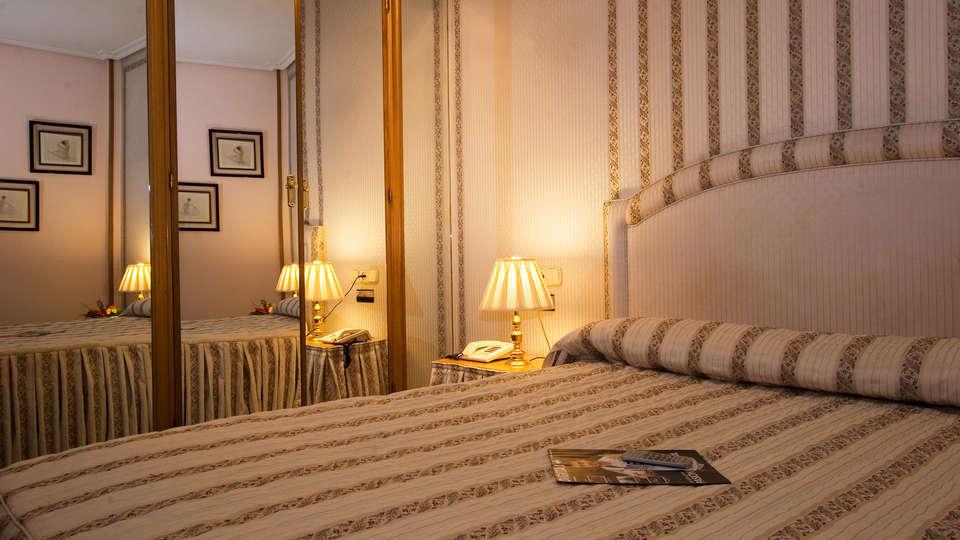 Hotel Helmántico - EDIT_room2.jpg