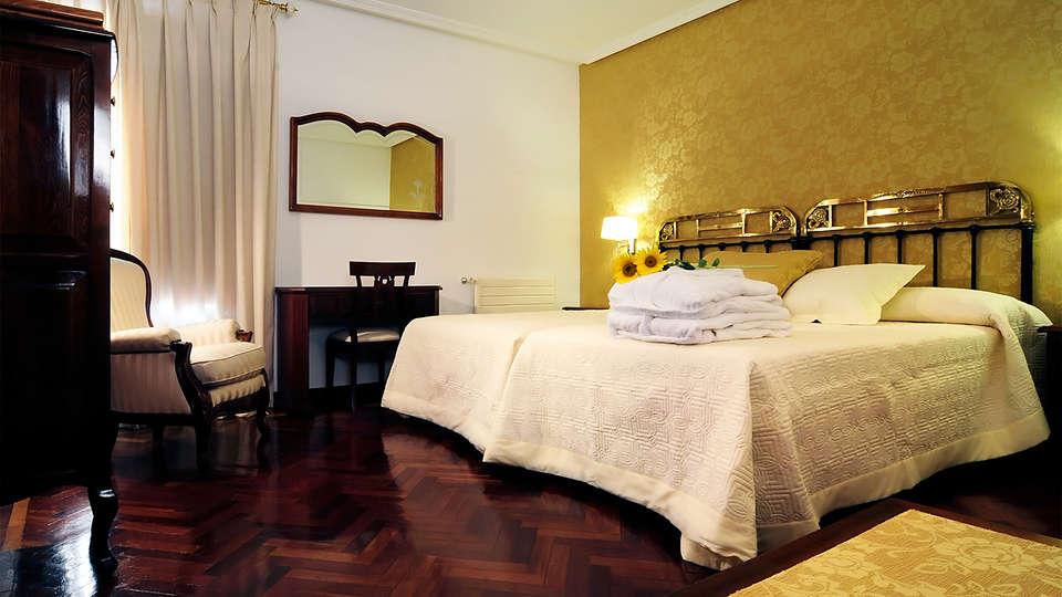 Hotel II Virrey  - EDIT_room5.jpg