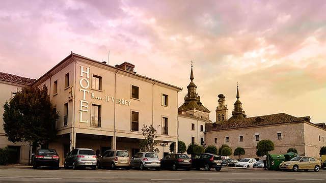 Descubre el pueblecito Burgo de Osma con estancia en este hotel con toque romántico y desayunos
