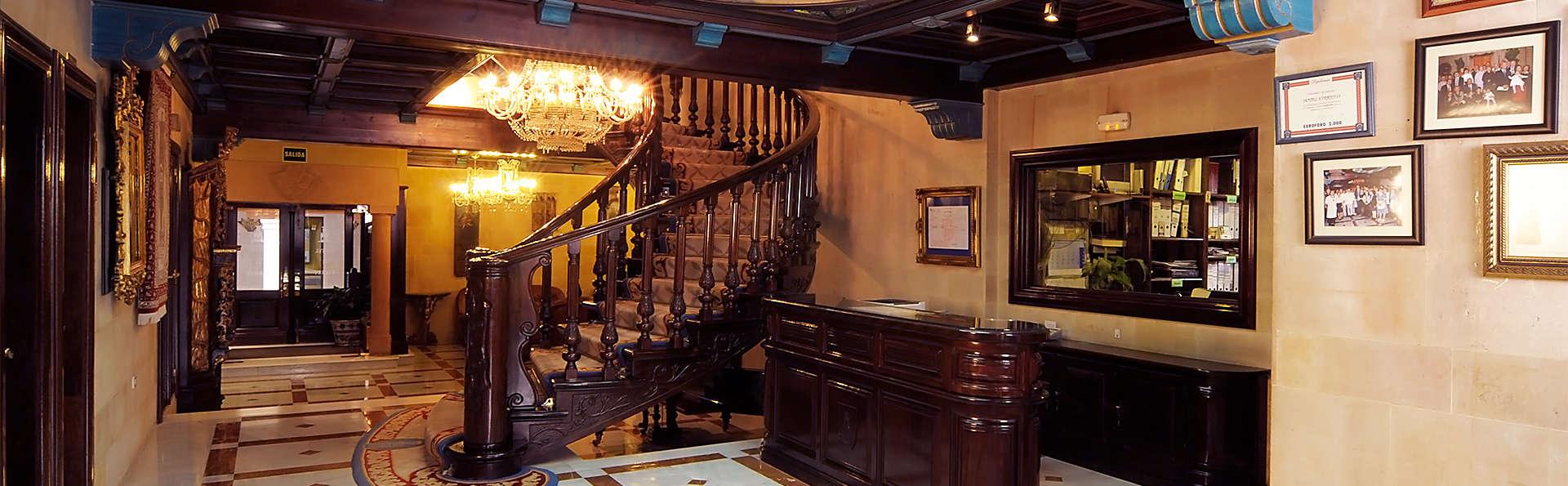 Hotel II Virrey  - EDIT_hall1.jpg