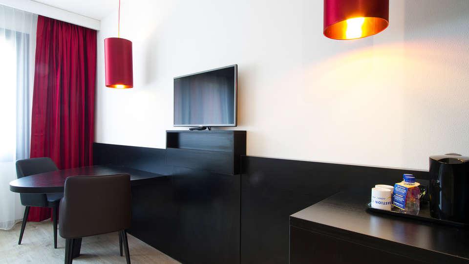 Bastion Hotel Tilburg - Edit_Room3.jpg