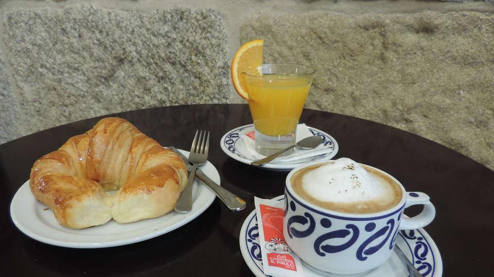 Hotel Junquera - edit_breakfast3.jpg