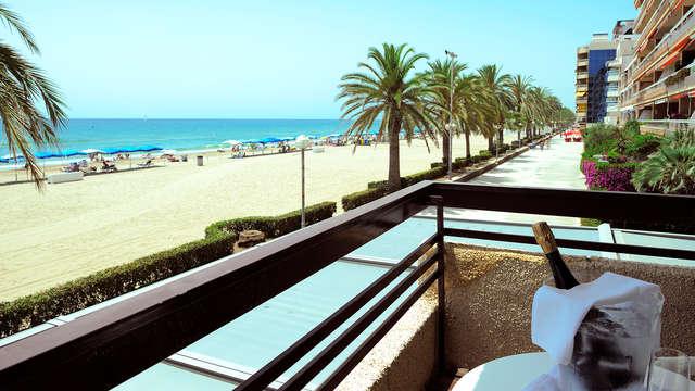 Descubre la Costa Dorada desde Calafell en habitación con vistas al mar