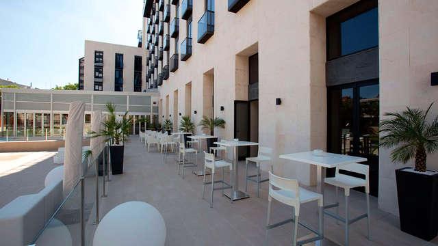 Hotel M A Sevilla Congresos - patio