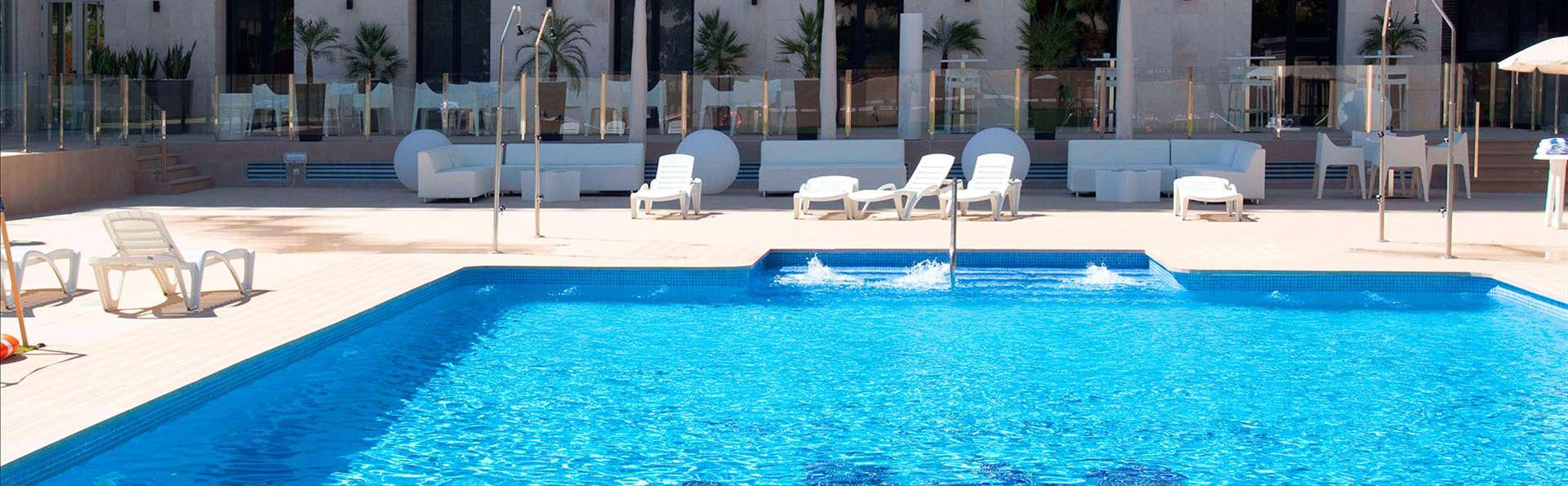 Hotel M.A. Sevilla Congresos - EDIT_pool.jpg
