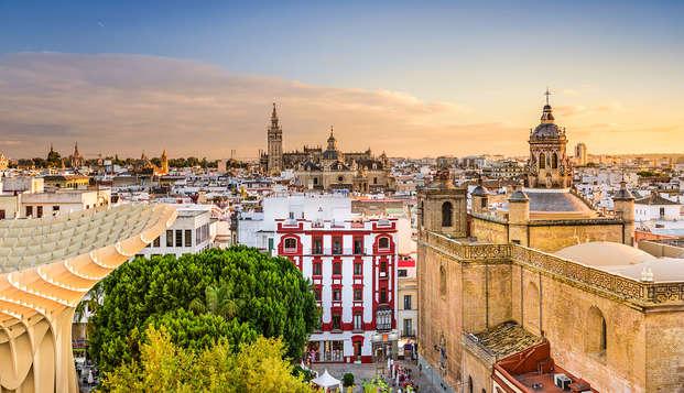 Escapada en habitación familiar (hasta 2 niños) en Sevilla