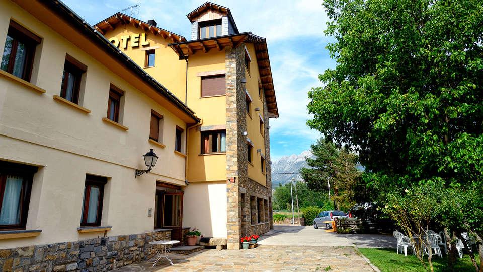 Hotel los Nogales - EDIT_front.jpg