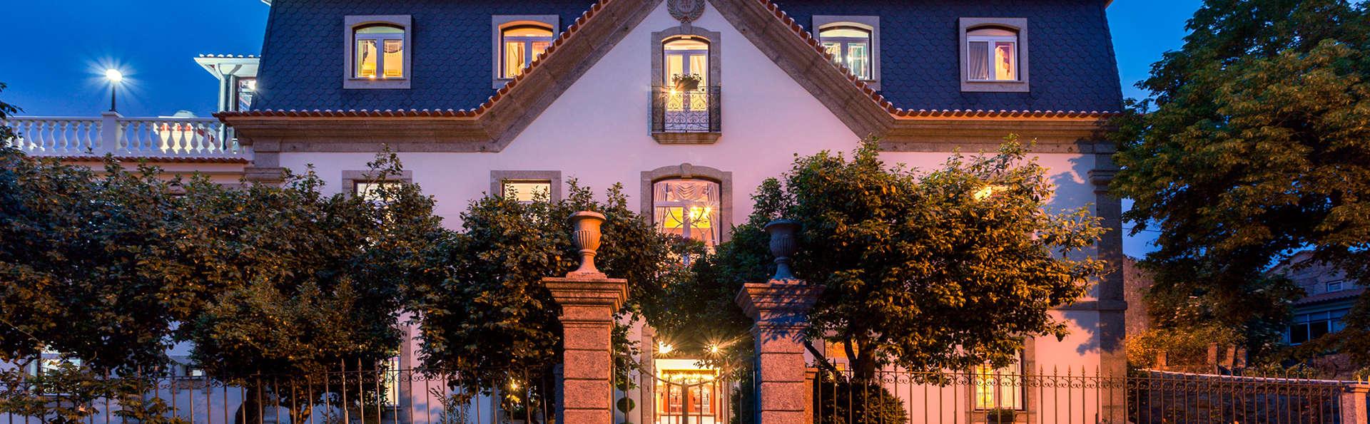 Stroganov Hotel & Spa - edit_stroganovhotel_atnight.jpg