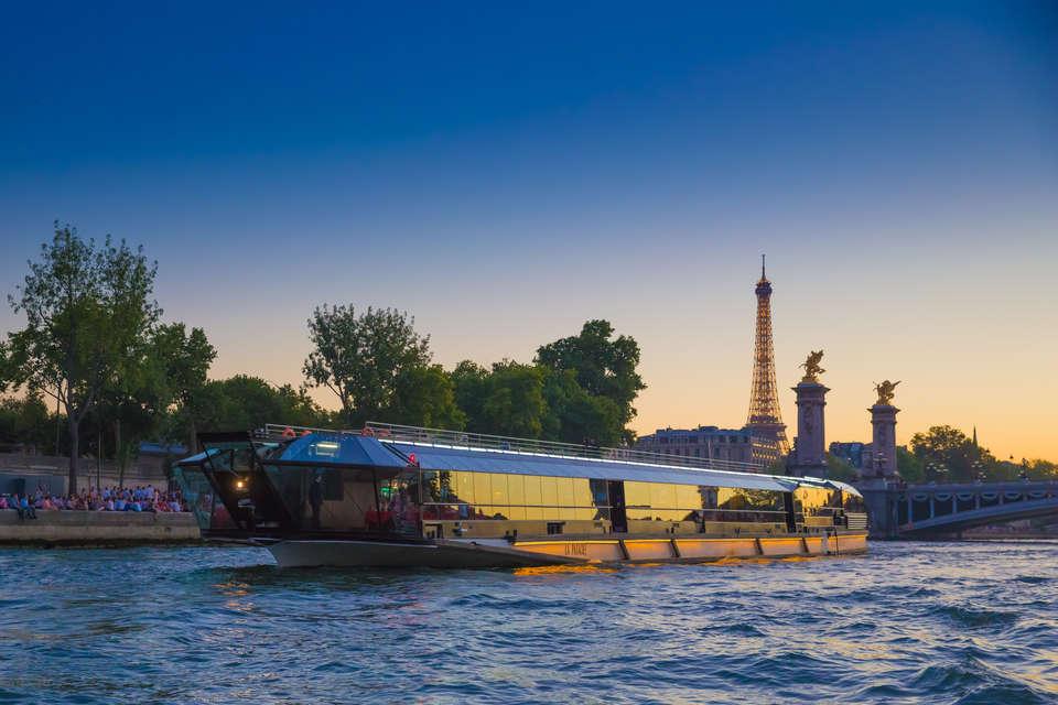 Hôtel ibis Styles Asnières Centre - BATEAUX_MOUCHES_-_LA_PATACHE_Tour_Eiffel.jpg