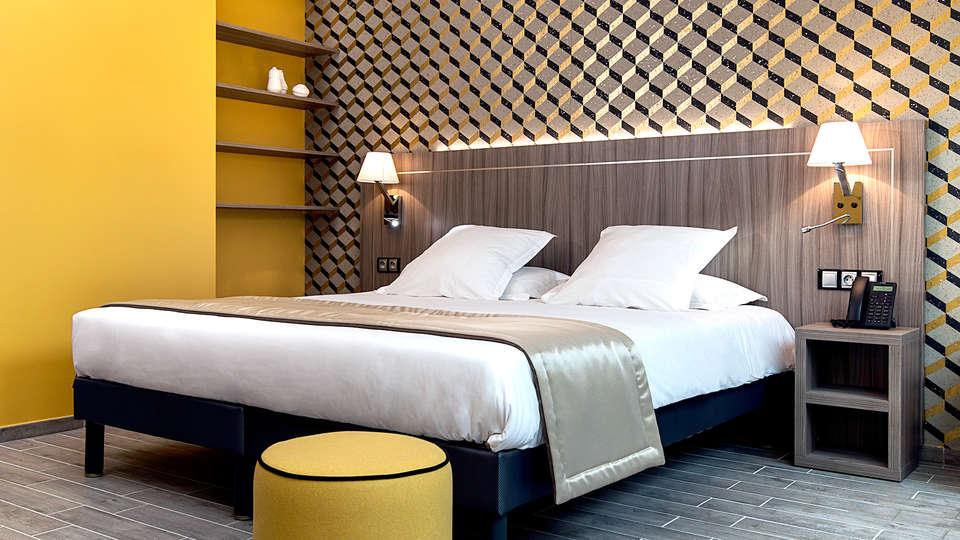 Unique Hôtels & Résidences - Edit_Room7.jpg