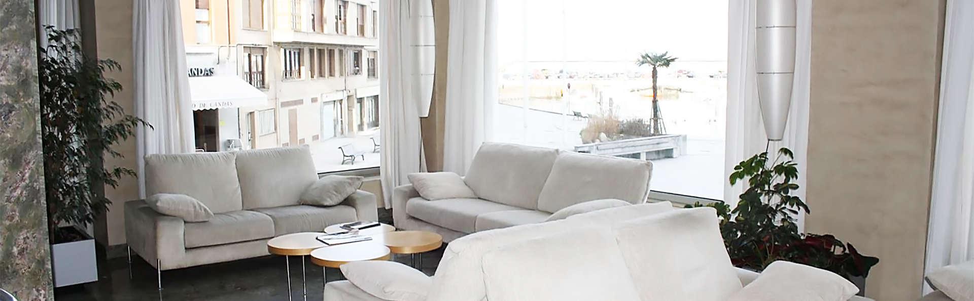 Hotel City House Marsol - EDIT_hall1.jpg