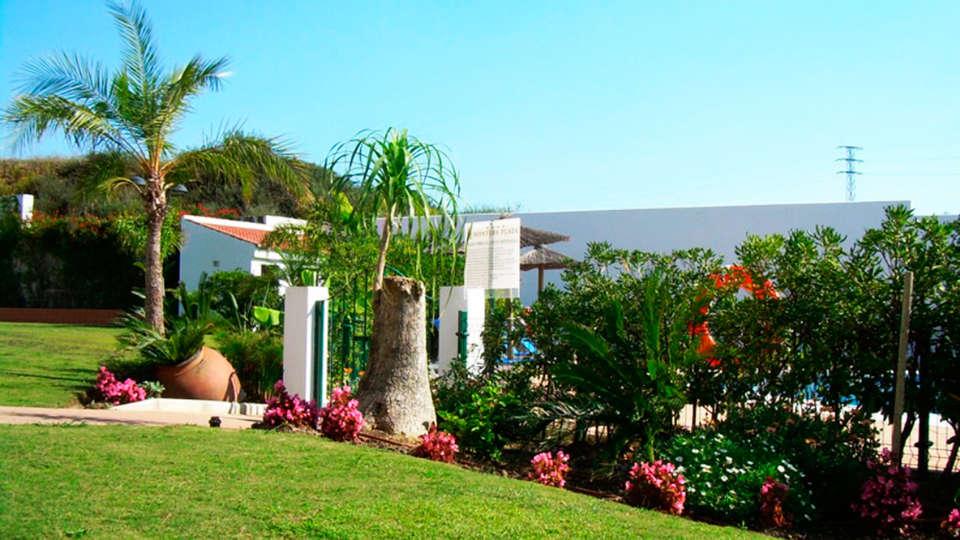Hotel Montera Plaza - EDIT_garden.jpg