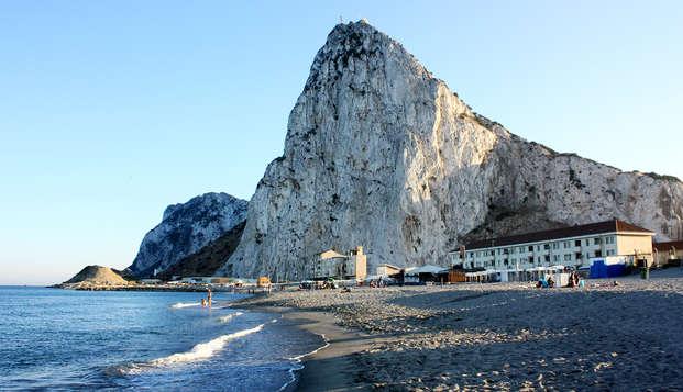 Escapada en hotel 4* perfecta para descubrir campo de Gibraltar, la colonia británica de España