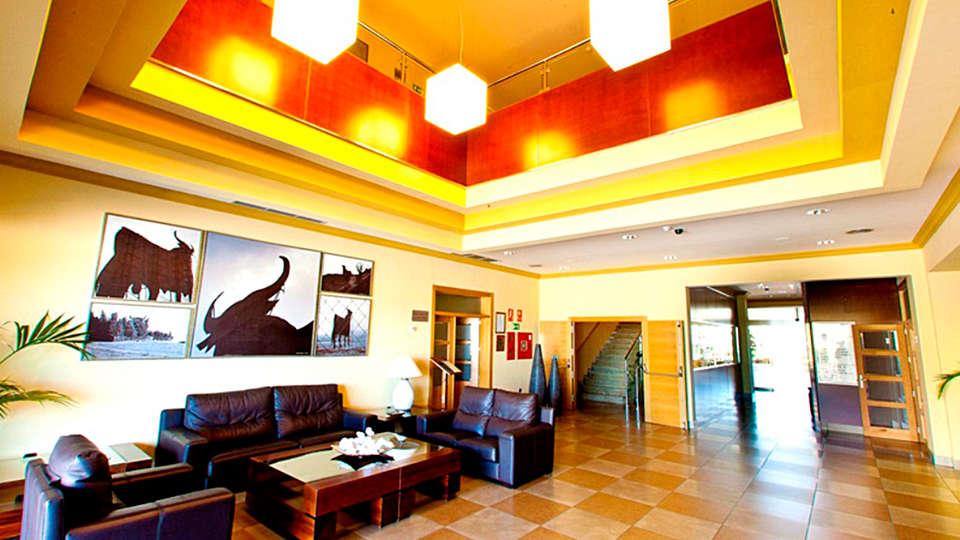 Hotel Montera Plaza - EDIT_lobby.jpg