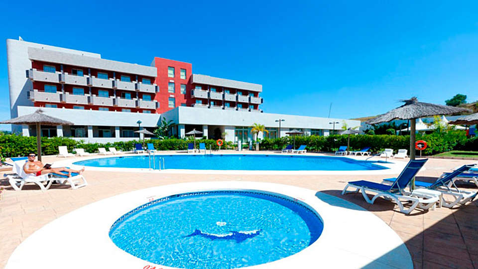 Hotel Montera Plaza - EDIT_pool.jpg