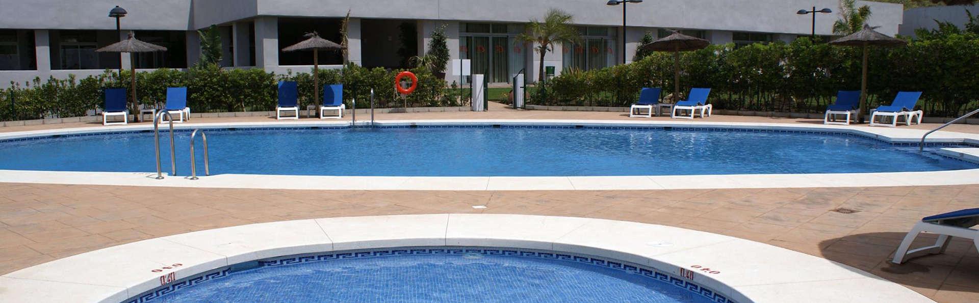 Hotel Montera Plaza - EDIT_pool1.jpg