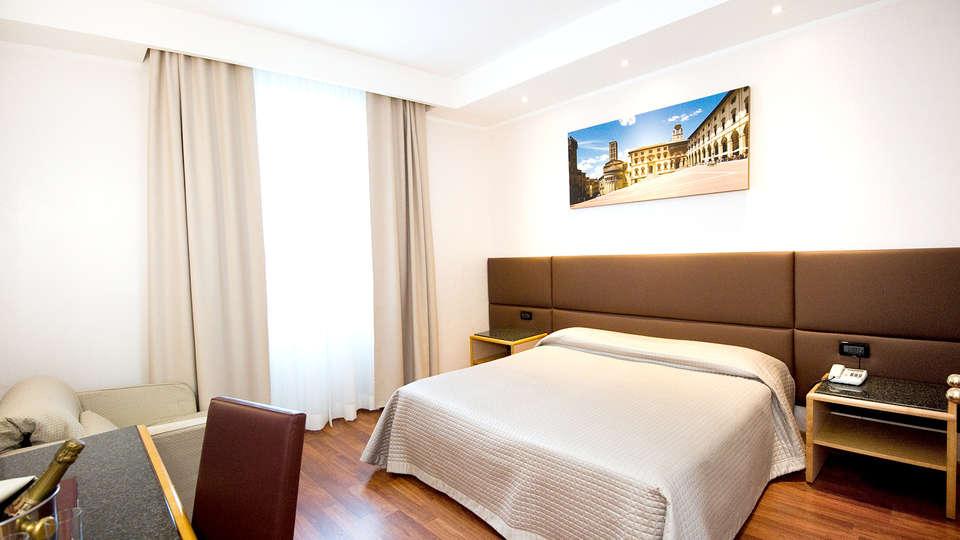 Hotel Minerva - Edit_Room4.jpg