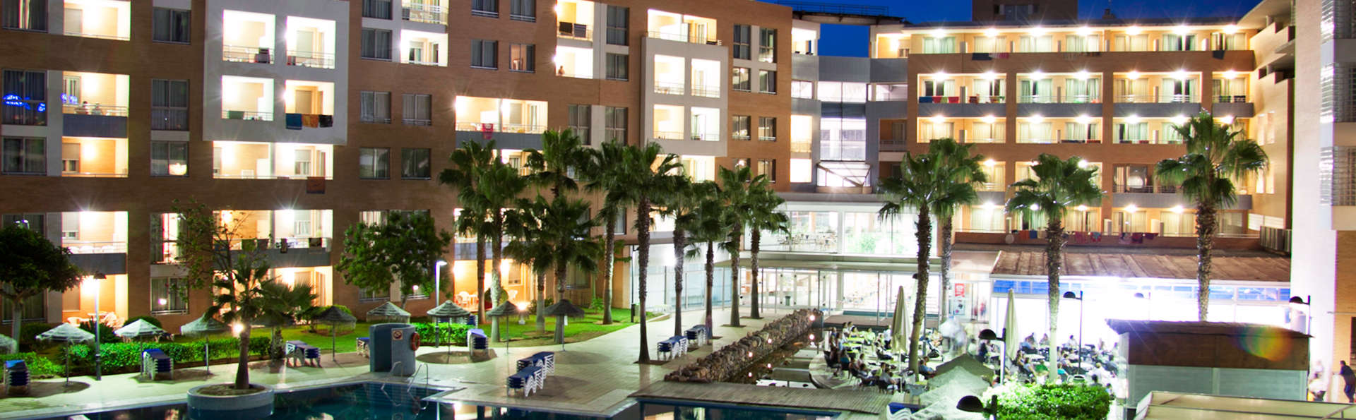 Hotel Neptuno Roquetas - EDIT_poolfront.jpg