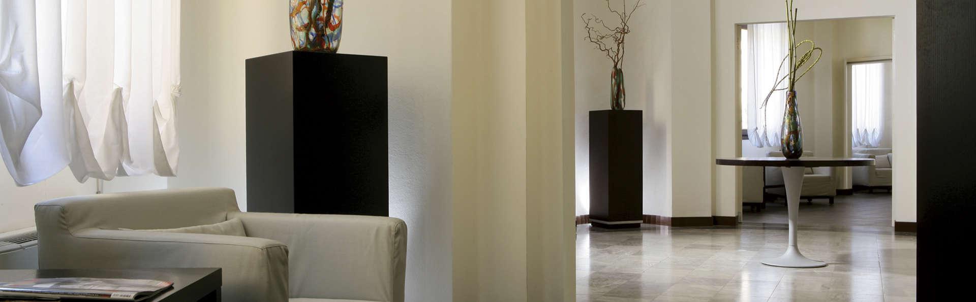 Hotel Sant'Elena - EDIT_lobby.jpg