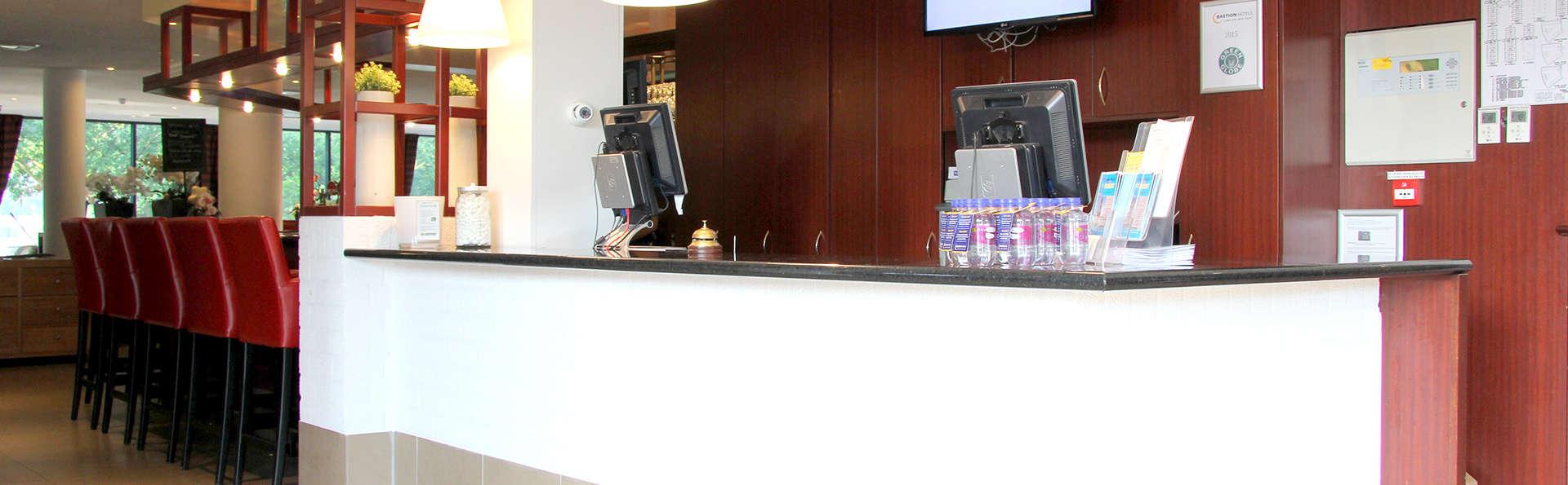 Bastion Hotel Utrecht  - Edit_Reception.jpg