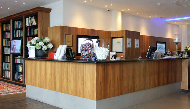 Bastion Hotel Vlaardingen - Reception