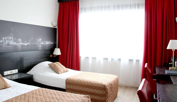 Bastion Hotel Vlaardingen - Room
