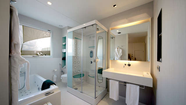 Hotel Neptuno Valencia - Bathroom