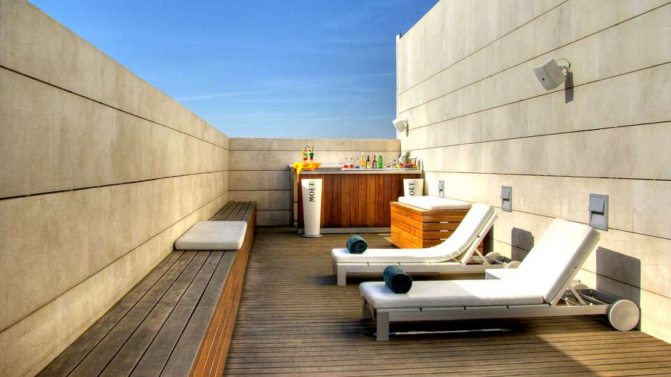 Hotel Neptuno Valencia - Edit_terrace3.jpg
