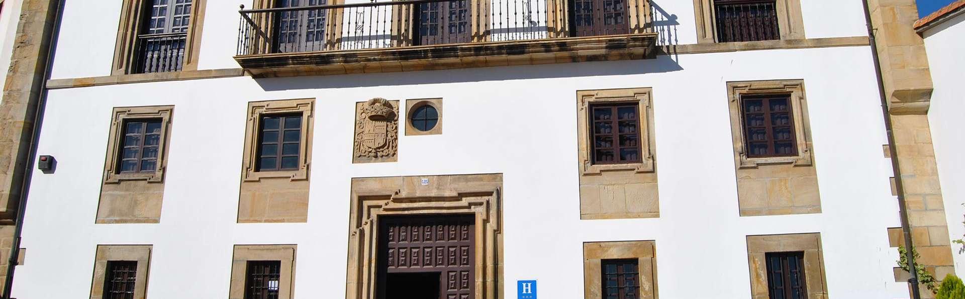 Hotel Palacio de los Vallados - EDIT_front.jpg