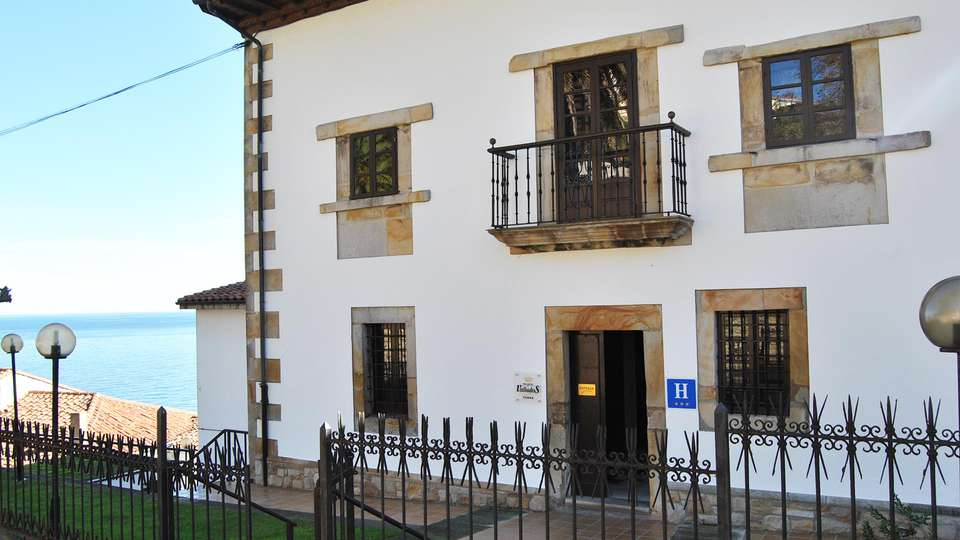 Hotel Palacio de los Vallados - EDIT_front1.jpg