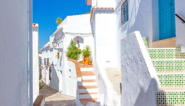 Escapada a Frigiliana, uno de los pueblos blancos de Málaga, con cena incluida (desde 2 noches)