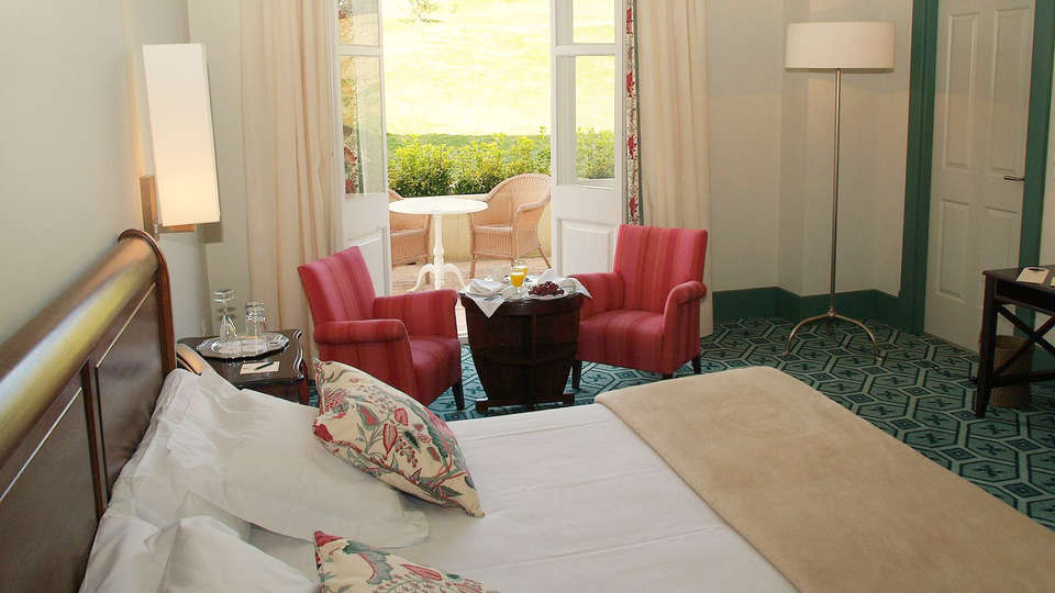 Hotel Palacio Urgoiti - EDIT_room2.jpg