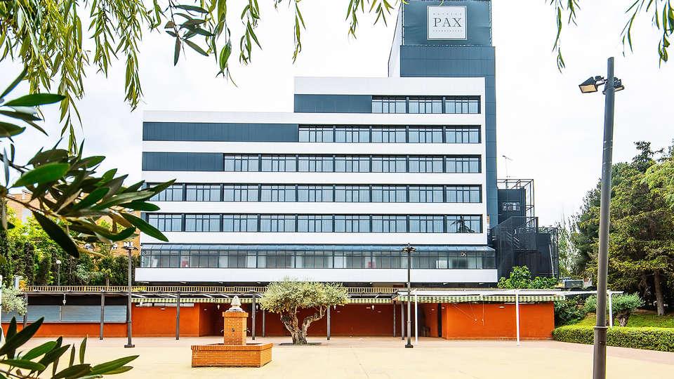 Hotel Pax Guadalajara - EDIT_facade2.jpg