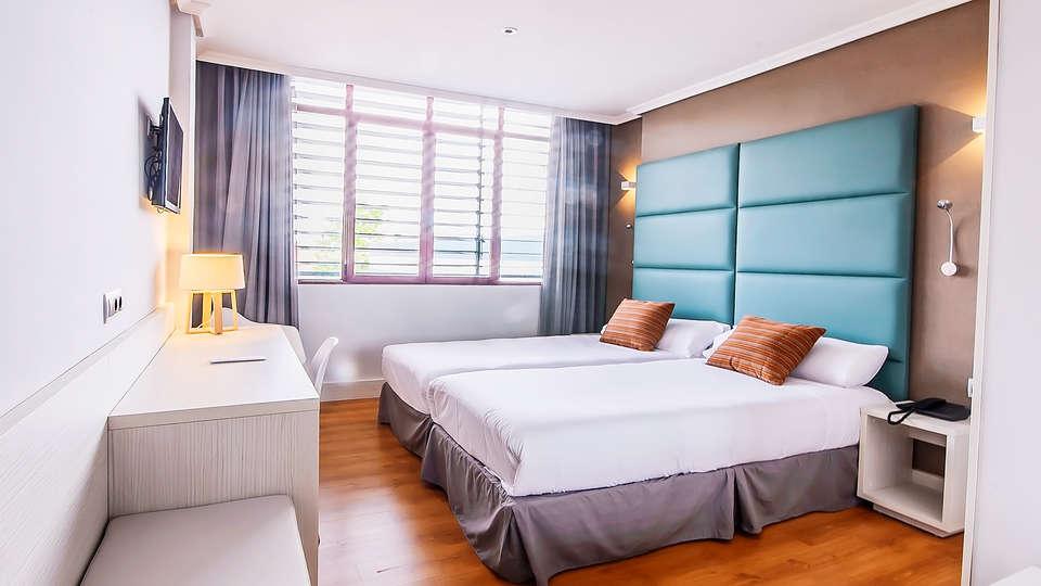 Hotel Pax Guadalajara - EDIT_room1.jpg