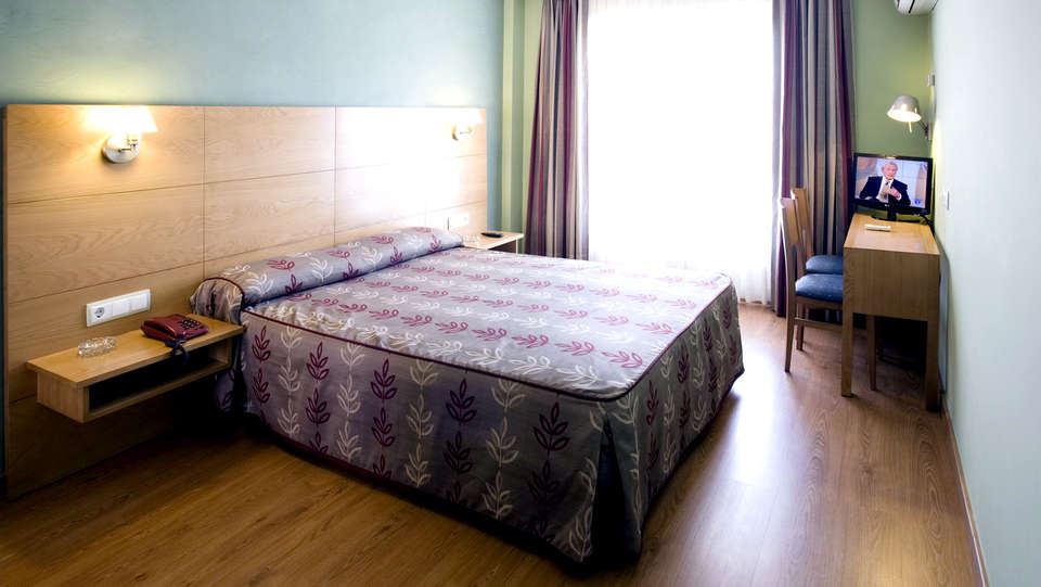 Hotel Los Pasiegos - Edit_Room.jpg