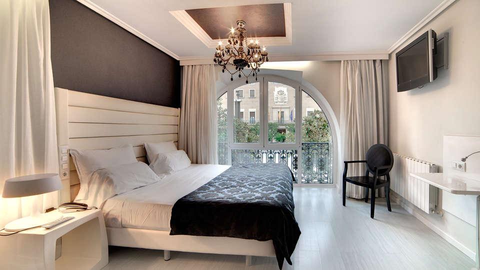 Hotel Pilar Plaza - EDIT_room2.jpg